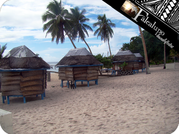 Falealupo_beachfales_01